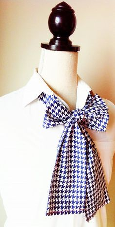 Women's Bow Tie-Blue and White Houndstooth