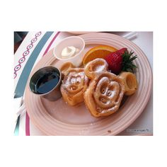 Disney Food Pics of the Week: Mickey Waffles | the disney food blog ❤ liked on Polyvore featuring food, disney, food and drink, breakfast and food & drinks