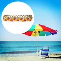 もうすぐ夏ですね。もうすでに暑さにやられそうです。トロピカルな色のブレスレットを身につけて、夏の勢いに負けないようにしたいですね。(担当:A)
