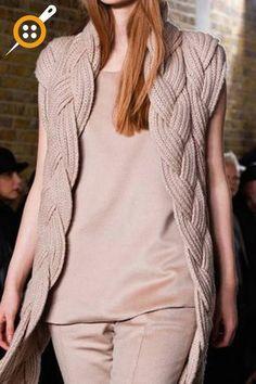 Pringle of Scotland en la London Fashion Week Fall - Knitting. Sweater Jacket, Knit Cardigan, Gilet Long, Catwalk Fashion, London Fashion, Pringle Of Scotland, Mein Style, Knitting Wool, Knit Fashion