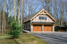 Carriage Barn Photos: The Barn Yard & Great Country Garages Barn House Plans, Cottage House Plans, Barn Plans, Cottage Homes, Garage Guest House, Carriage House Garage, Barn Garage, Garage Shop, Dream Garage