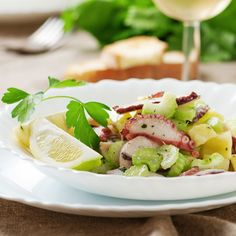 Here's a quick and easy recipe for a traditional Italian summertime seafood salad made with octopus and potatoes.
