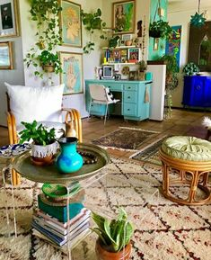 Teal furniture + lots of plants = dreamy space. Teal furniture + lots of plants = dreamy space. Bohemian Living Rooms, Bohemian House, Bohemian Interior, Living Room Decor, Bohemian Art, Bohemian Office, Bohemian Apartment, White Bohemian, Bohemian Style