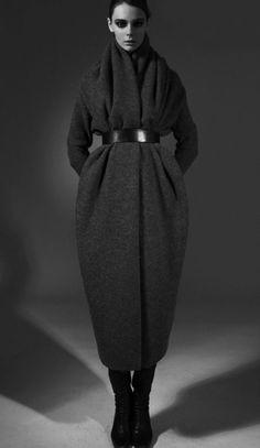 Verlaine - I want this coat - no. I WANT this coat! New York Fashion, Runway Fashion, Spring Fashion, Winter Fashion, Fashion Trends, New Yorker Mode, Vintage Leather Jacket, Leather Jackets, Winter Stil
