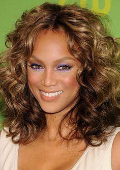 Tyra Banks violet eyeshadow