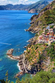 Cinque Terre, Italy | Stunning Places