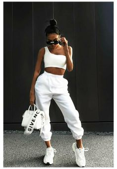 Best Casual Outfits, Style Outfits, Sporty Outfits, Sporty Style, Mode Outfits, Fashion Outfits, Sporty Chic, Sporty Fashion, Ski Fashion