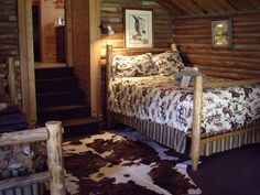 sheep wagon cabins,beds | ... Lodging - Covered Wagon, Gallatin Gateway, MT Covered Wagon Ranch