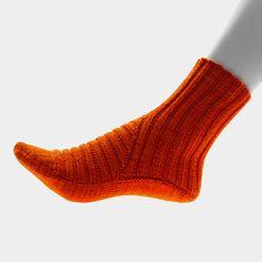 Ravelry: Hattu pattern by Nicola Susen Lace Socks, Knitted Slippers, Slipper Socks, Crochet Slippers, Knit Crochet, Crochet Granny, Crazy Socks, Cool Socks, Knitting Socks