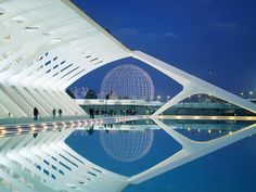 City of Arts and Science, Valencia, Spain, by Santiago Calatrava Santiago Calatrava, Valencia City, Valencia Spain, Architecture Cool, Contemporary Architecture, Architecture Career, Innovative Architecture, Architecture Background, Modern Architecture