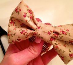 Easy and cute bow clip tutorial.