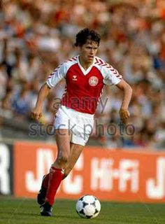 Denmark 5 Yugoslavia 0 in 1984 in Lyon. Frank Arnsen comes in to score after only 8 minutes in Group A at Euro '84. 1-0 Denmark.