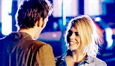 Doctor Who Rose Tyler Ten hug