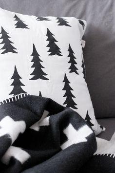 MA MAISON BLANCHE - Pia Wallén Cross Blanket & Fine Little Day cushion