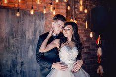 свадьба, жених, невеста, фотосессия, свадебная фотосессия, фотосессия в студии, студия, фотостудия, огни, лампочки, гирлянда из ламп