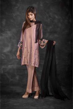Exclusive move and black luxury pret - - Designer Dresses Couture Stylish Dress Designs, Designs For Dresses, Stylish Dresses, Simple Dresses, Casual Dresses, Fashion Dresses, Pakistani Fashion Party Wear, Pakistani Dresses Casual, Pakistani Dress Design