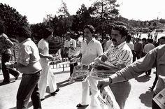 Lula e FHC distribuem panfletos (1978).
