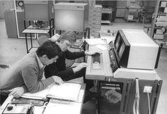 La prehistoria: cómo internet llegó a Uruguay. La historia del primer correo electrónico que se envió en Montevideo, en el año 1988. ¿Qué decía? La nota completa, aquí: http://www.cromo.com.uy/2015/01/la-prehistoria-como-internet-llego-a-uruguay/