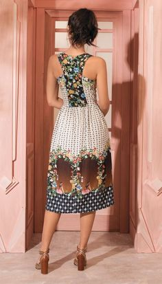 77f0b1056f9 Летнее платье с красивой спинкой (выкройки)   Простые выкройки   ВТОРАЯ  УЛИЦА