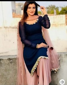 Indian Fashion Dresses, Pakistani Dresses Casual, Dress Indian Style, Pakistani Dress Design, Indian Outfits, Punjabi Fashion, Indian Dresses For Girls, Sarees For Girls, Indian Wear