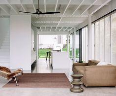 Auckland beach house by Fearon Hay