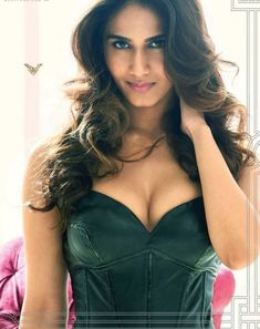 Befikre movie actress Payal Khanna Real Name Vaani Kapoor Biography Wiki| Befikre heroine Vaani Kapoor Hot Pics, Sexy Photos, Images | Vaani Kapoor, Height, Age, Figure size | Vaani Kapoor Biography Wiki, Hot Pics, Images Vaani Kapoor is a talented and beautiful Indian Actress and model born in Delhi, India on 23rd of August in 1988. She obtained a Bachelor Degree in Tourism from IGNOU. Here we will know more about her. Name – Vaani Kapoor DOB – 23 August 1988 Age – 27 in (2016) Birth Place…