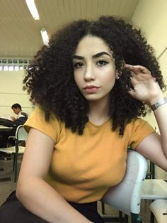 Short Curly Hair, Curly Girl, Curly Hair Styles, Natural Hair Styles, Messy Hairstyles, Pretty Hairstyles, Big Hair, Your Hair, Pelo Afro