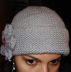 Esse gorrinho é suuuuuper fácil de fazer. É feito em agulhas retas e vai rapinho porque é todo em ponto tricô. A flozinha também é super fá... Baby Booties, Knitted Hats, Knitting Patterns, Beanie, Booty, Womens Fashion, Bolero, Blazers, Gallery