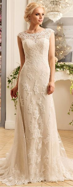 Lavish Tulle & Satin Scoop Neckline Sheath Wedding Dresses With Lace Appliques