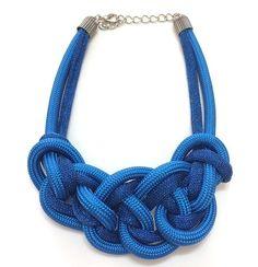 """""""Vesti Azul minha Sorte então Mudou..."""" Que Colar Espetacular é esse ??? Compre pela nossa loja: www.thejoybijoux.com.br Pedidos via Whatsapp: (11) 97319-7540 #colar #colares #neckless #necklace #thejoybijoux #instabijoux #bijoux #bijouxlovers #moda #jewe"""