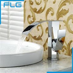 76.00$  Watch now - http://alid2c.worldwells.pw/go.php?t=1388239417 - Hot Sale Contemporary  Waterfall Brass Chrome Single Handle Deck Mounted Bathroom Faucet Basin Mixer Sink Tap