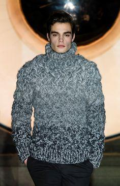 monsieurcouture: Porsche Design F/W 2016 Menswear Berlin Fashion Week Chunky Knitwear, Casual Wear For Men, Men's Fashion, Berlin Fashion, Wool Sweaters, Men Sweater, Turtlenecks, My Style, Porsche Design