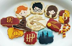 Harry Potter cookies by A Fancy Cookie Harry Potter Treats, Gateau Harry Potter, Harry Potter Fiesta, Cumpleaños Harry Potter, Harry Potter Nails, Harry Potter Nursery, Harry Potter Baby Shower, Harry Potter Halloween, Harry Potter Birthday