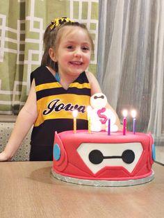 Sixth Birthday Cake, Birthday Boys, 4th Birthday Parties, Birthday Cakes, Birthday Invitations, Birthday Ideas, Big Heroes, Cartoon Cupcakes, Iowa Hawkeyes