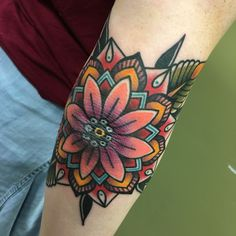 So beautiful My traditional mandala elbow piece done by Nary at Third Eye Gallery in Dallas. I absolutely love the way it turned out. THIS IS MY PERSONAL PHOTO. Traditional Tattoo Elbow, Traditional Mandala Tattoo, Traditional Tattoo Filler, Trendy Tattoos, Cool Tattoos, Tattoos Pics, Tatoos, Dotwork Tattoo Mandala, Colorful Mandala Tattoo