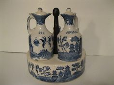 JP: Blue Willow Condiment Cruet Set Lazy Susan Style Very Old Vintage Love Blue, Blue And White, Blue Willow China, Condiment Sets, Willow Pattern, Lazy Susan, Vintage China, Pepper, Flow