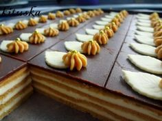 Medové rezy, recepty, Zákusky | Tortyodmamy.sk Sweet Desserts, Sweet Recipes, Dessert Recipes, Oreo Cupcakes, Eclairs, Sweet And Salty, A Table, Cheesecake, Food And Drink