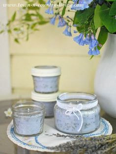 Make Lavender Candles See how easy it is to make lavender scented candles in jars!See how easy it is to make lavender scented candles in jars! Diy Candles Scented, Homemade Candles, Soy Candles, Homemade Gifts, Candle Jars, Glass Jars, Aromatherapy Candles, Floating Candles, Lavender Scent