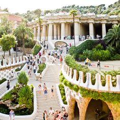 Parc Güell / Antoni Gaudí Barcelona , Spain