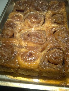 Dakota rolls, yum!  Different way for the bottom goodness than what I do, thought this way was interesting.  I mix my sugar and cream before placing the rolls on and then pour on more cream over the rolls when pan is full -  You can't leave North Dakota without having one of Grandma's Carmel rolls ...<3<3<3