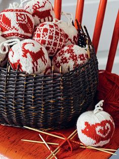 55 Christmas Balls to Knit. These would be good to knit over the year and give as a gift.