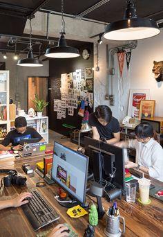 Hoy nos colamos en el estudio creativo de Filter017, un espacio de trabajo con alma, pensado para trabajar en equipo y donde la creatividad...