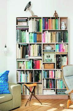Colorful living room details via Bolig Magasinet. Photo by Frederikke Heiberg.