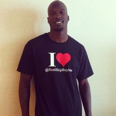 Chad Ochocinco Solves Robbery Via Twitter -   Recovers wallet with the help of followers