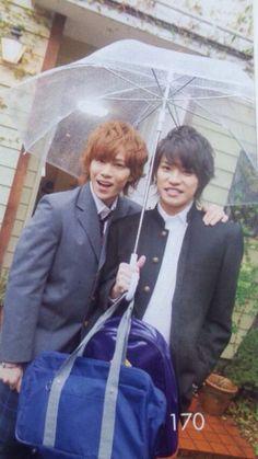 Kis-My-Ft2 Kento Senga and Takashi Nikaido