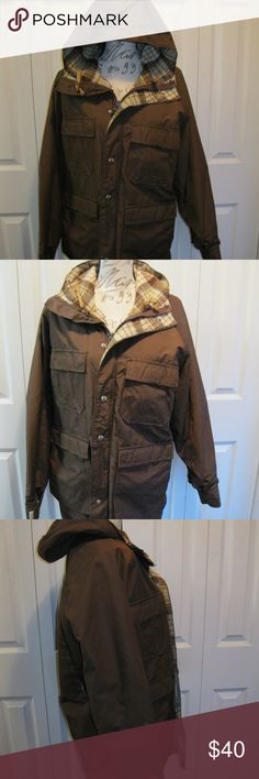 Women's Woolrich Parka Coat Size Medium Women's Woolrich Parka  Coat Size Medium.  In great condition.  Made of wool, cotton and nylon, lined.  Brown in color. Woolrich Jackets & Coats