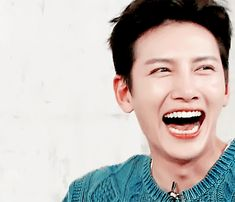 18 K-Drama Actors With The Most Adorable Eye Smiles | Soompi Ji Chang Wook Healer, Ji Chang Wook Smile, Asian Actors, Korean Actors, Ji Chang Wook Photoshoot, Yoon Shi Yoon, Choi Jin Hyuk, O Drama, Empress Ki