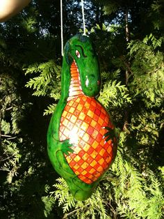 Discover the wonderful, wacky world of gourd art. Opt Art, Hand Painted Gourds, Fall Decor, Holiday Decor, Gourd Art, Tole Painting, Painting For Kids, Cool Drawings, Bird Houses