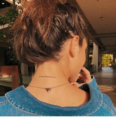 Cool necklace and tattoo Inspirational Ladies - diy tattoo i . - Cool necklace and tattoo Inspirational ladies – diy tattoo images – - Girly Tattoos, Dainty Tattoos, Little Tattoos, Mini Tattoos, Cute Tattoos, Body Art Tattoos, Tatoos, Flower Tattoos, Delicate Tattoo Fonts