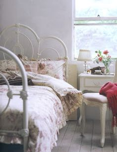 住みたいおうち interior scrapbook: シャビーでシックでロマンチックなベッドルーム(乙女ですから)